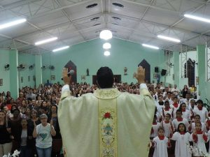 padre Claudio 5 anos 1