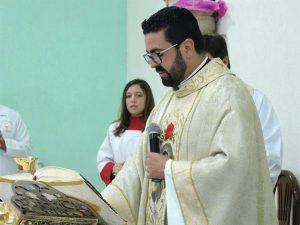 padre Claudio 5 anos 6